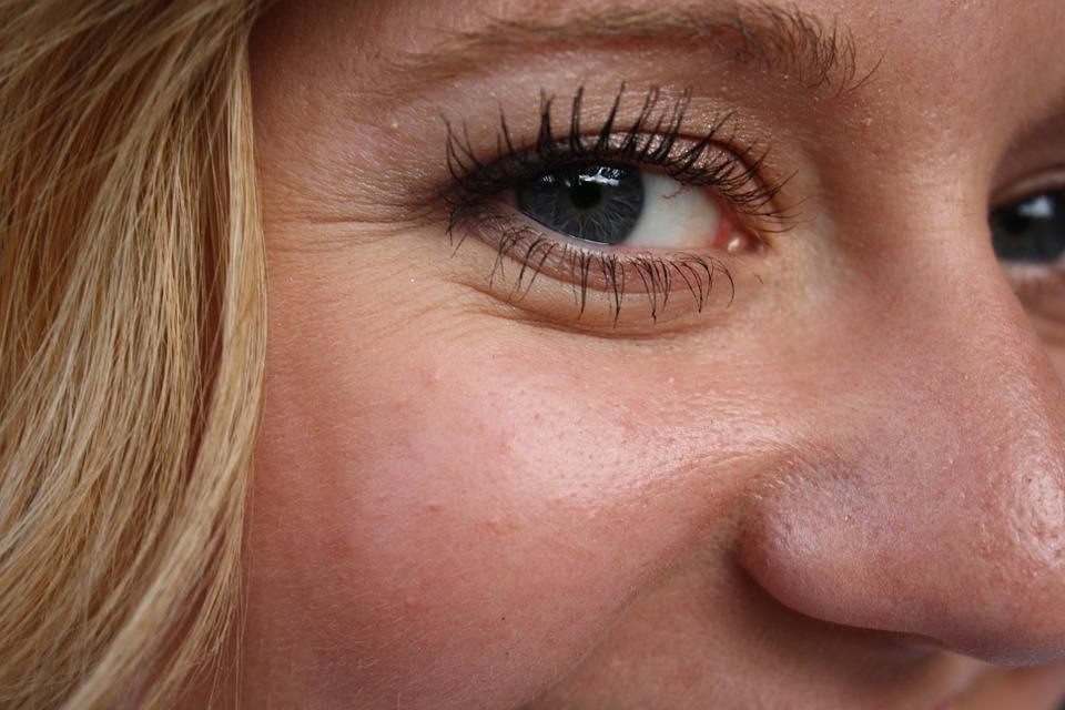 rimpels onder de ogen verwijderen